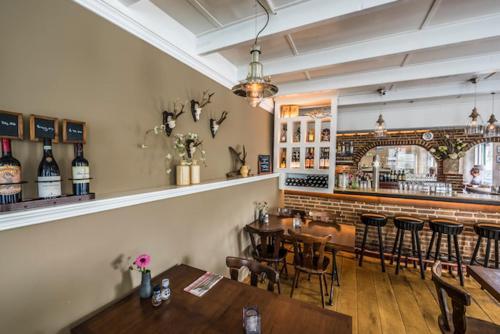De lounge of bar bij De Drie Linden