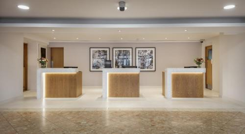 The lobby or reception area at Hilton London Watford