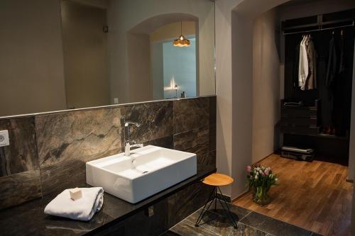 A bathroom at Emmerich Hotel Görlitz