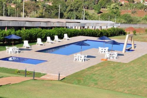 The swimming pool at or near Thile Park Hotel