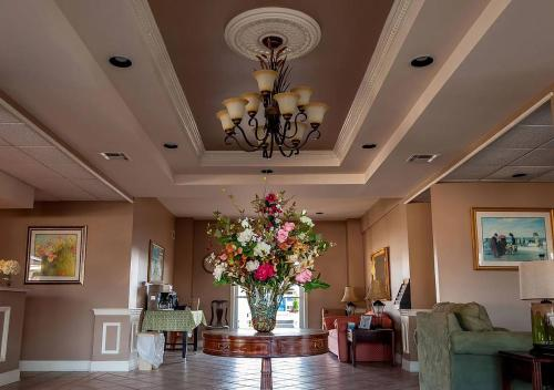 The lobby or reception area at Point Pleasant Manor