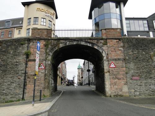Tri ard house Derry city centre STILL OPEN