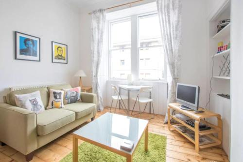 2 Bedroom Flat 10 Minutes from the City Centre