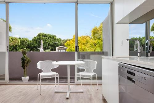 A balcony or terrace at Bondi Beach Studio King Suite + Balcony