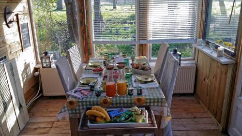 Een restaurant of ander eetgelegenheid bij Bed & Breakfast Inndeberm