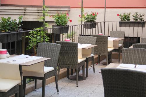 A restaurant or other place to eat at Hotel Garni Golf