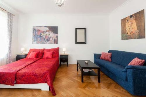 Гостиная зона в Charming apartment few steps to Wenceslas Square
