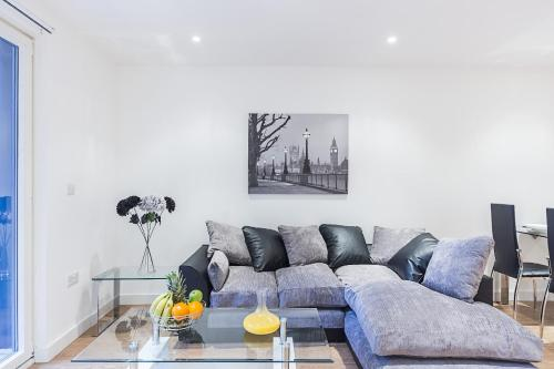 Highlife Serviced Apartments - Two Bedroom Balcony Apartments