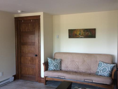 A seating area at The Artisan Suites - The Woodland Suite