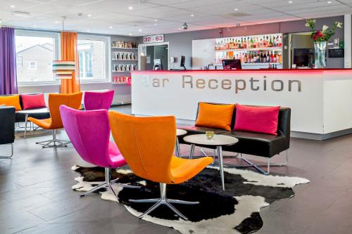 The lounge or bar area at Connect Hotel Stockholm