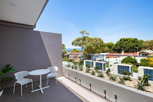 A balcony or terrace at Bondi Beach Studio Penthouse Suite + Balcony