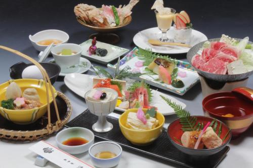 Breakfast options available to guests at Hotel Seikoen