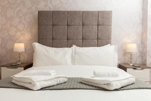 Dunfermline - Premium Two Bedroom Apartment - KW
