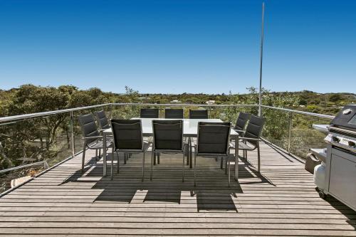 A balcony or terrace at Koonya Beach Escape