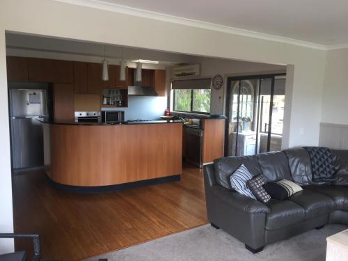 The lobby or reception area at Springvalley Views Torquay
