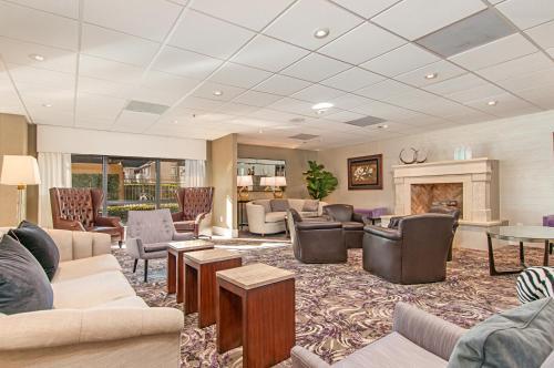 The lobby or reception area at Hampton Inn by Hilton San Diego - Kearny Mesa
