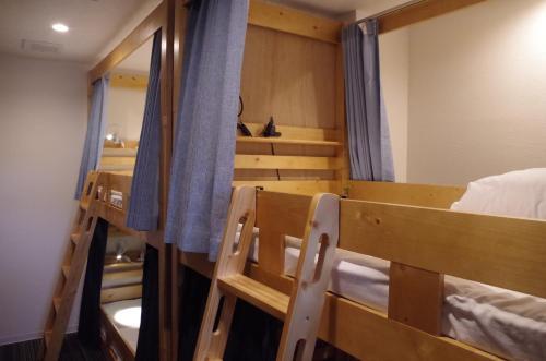 Guesthouse POPTONEにある二段ベッド