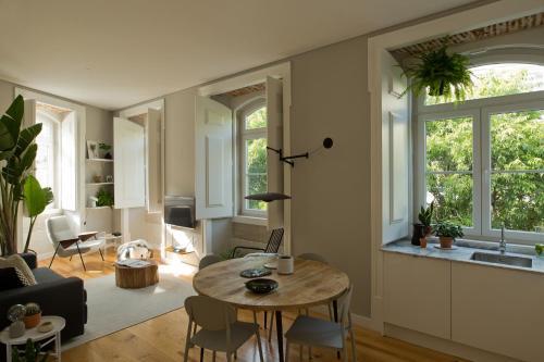 A seating area at Alfama-Baixa-Chiado A/C 2 Bedrooms& 2 Bathrooms