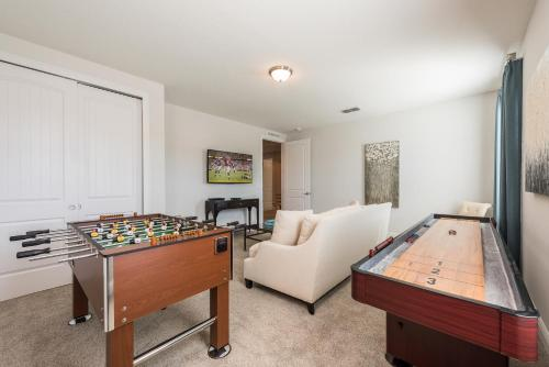 A billiards table at Splendid Home with Loft Area & Private Pool near Disney - 7619B