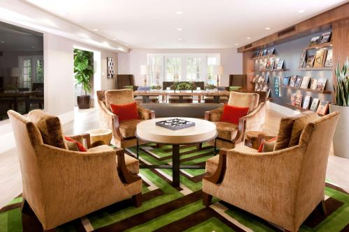 The lounge or bar area at Hyatt Regency Newport Beach