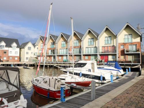 Marina House, Newport