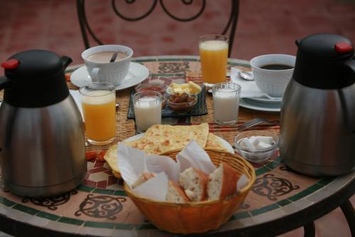 Options de petit-déjeuner proposées aux clients de l'établissement Riad Mariana