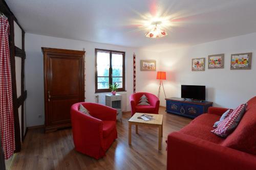 "A seating area at TURCKHEIM, 10 min Colmar - ""GITE DE CAROLE"" - TripAlsace"