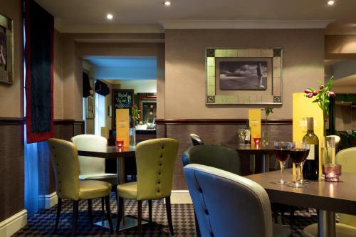 A restaurant or other place to eat at Liverpool Inn Hotel, Sure Hotel Collection by Best Western