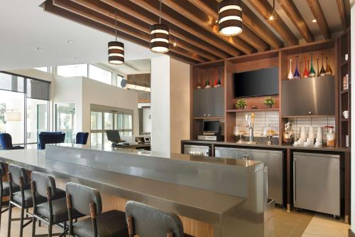 A restaurant or other place to eat at Hyatt Place Santa Cruz