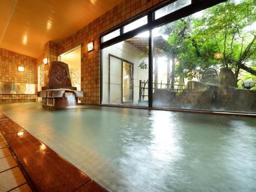 The swimming pool at or near Tendo Grand Hotel Maizuru-so