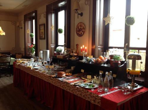 Un restaurant sau alt loc unde se poate mânca la Hotel Slavia