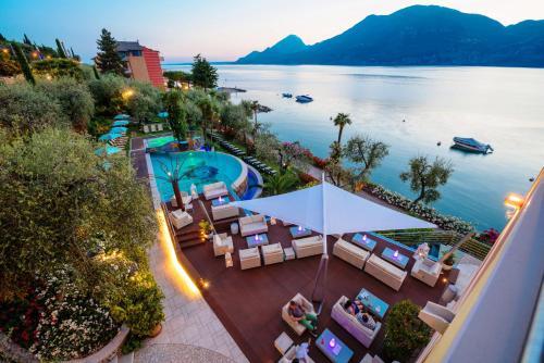 Výhled na bazén z ubytování Belfiore Park Hotel****S nebo okolí