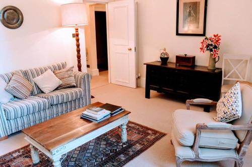 1 Bedroom Apartment in New Town Accommodates 4