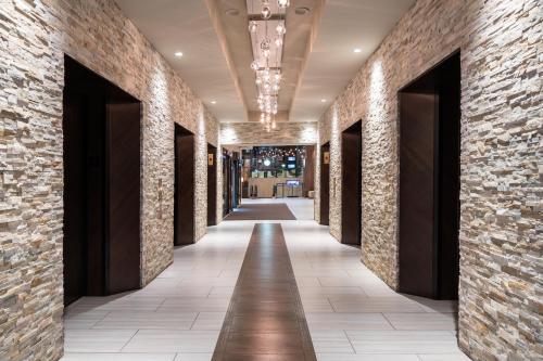 The lobby or reception area at Hilton Denver City Center