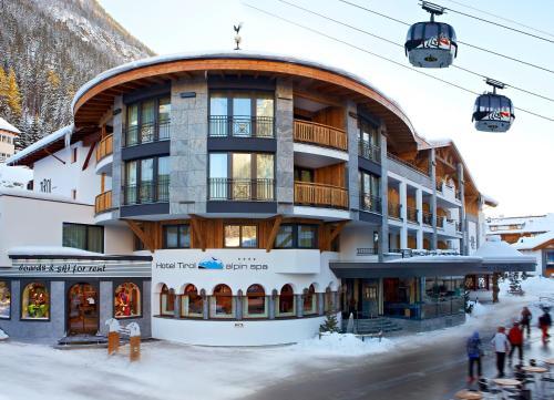 Hotel Tirol during the winter