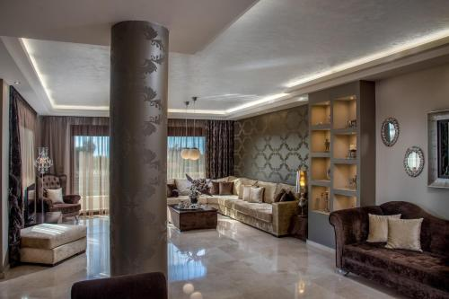 The lobby or reception area at Callista Luxury Residences