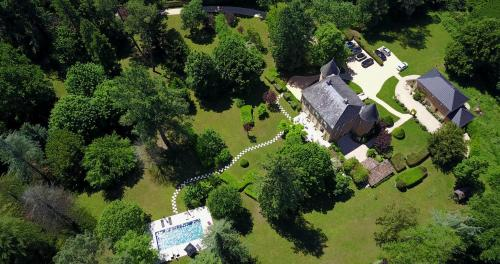 A bird's-eye view of Château de Maraval