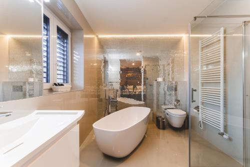 A bathroom at SILESIA Residence