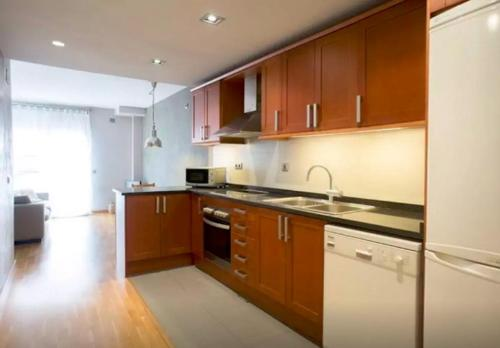 A kitchen or kitchenette at Apartment Molins De Rei