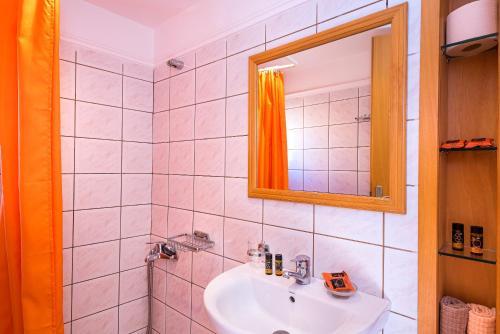 A bathroom at Lidra Rooms