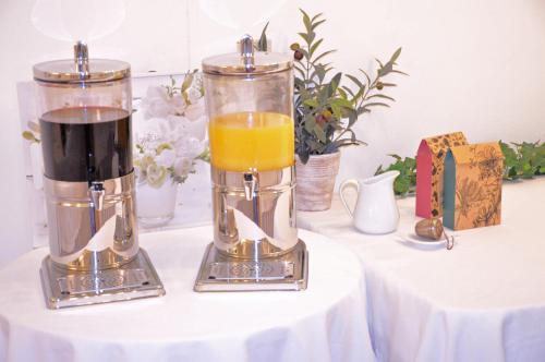 Getränke in der Unterkunft Schlossgarten Hotel am Park von Sanssouci