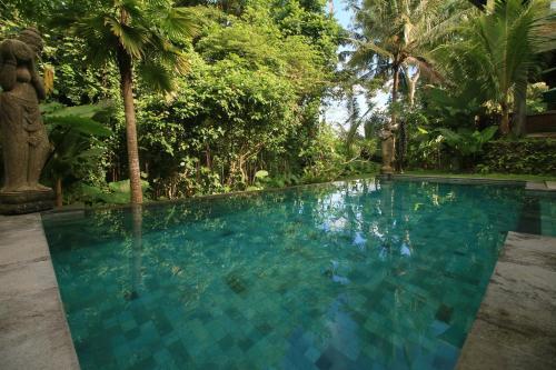 The swimming pool at or near Villa Ubud Sunshine