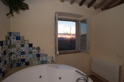 A bathroom at B&B La Pecora Nera