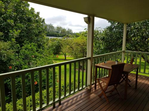 A balcony or terrace at Camelot Cottages