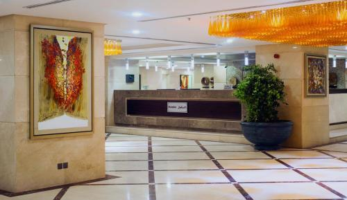 The lobby or reception area at Al Kiswah Towers Hotel