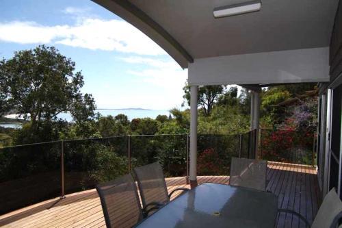 A balcony or terrace at Coastwatch, 26 Comara Terrace