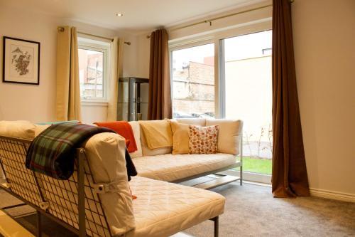 2 Bedroom Flat in Broughton Area Sleeps 4