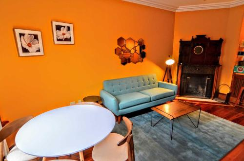 A seating area at 1305 Northwest Rhode Island Apartment #1076 Apts