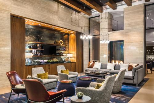 The lounge or bar area at AC Hotel by Marriott Denver Downtown