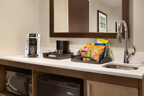 A kitchen or kitchenette at Embassy Suites By Hilton Wilmington Riverfront